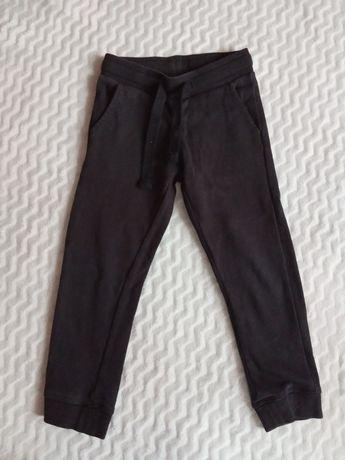 Spodnie dresy czarne Lupilu 98/104