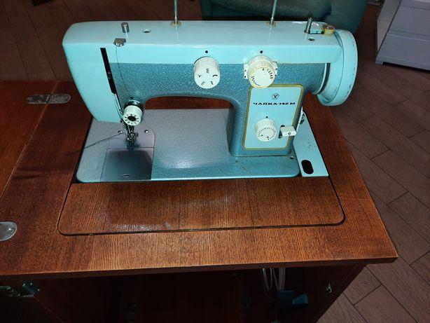 Швейная машина Чайка.