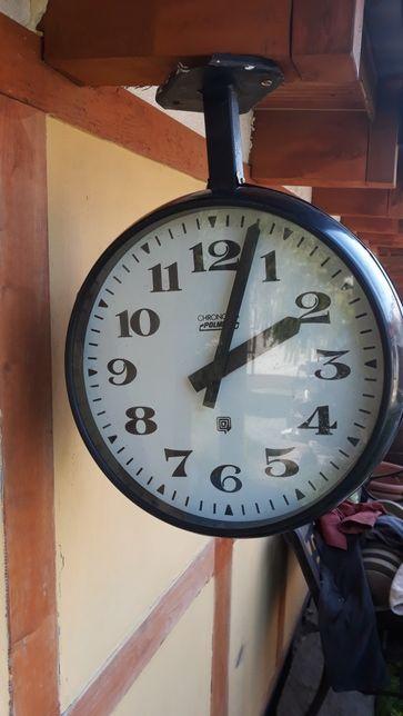 Stary zegar dworcowy dwustronny