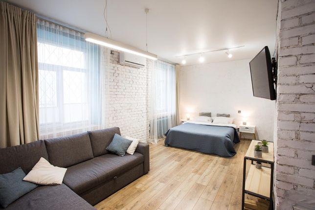 Білий LOFT студія центр Площа Соборна,77. Є різні варіанти квартир.