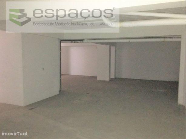 Armazém/Garagem Para venda em Castelo Branco