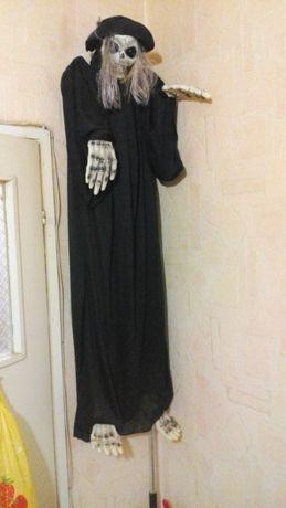 Кукла-пугало для Хеллоуин.