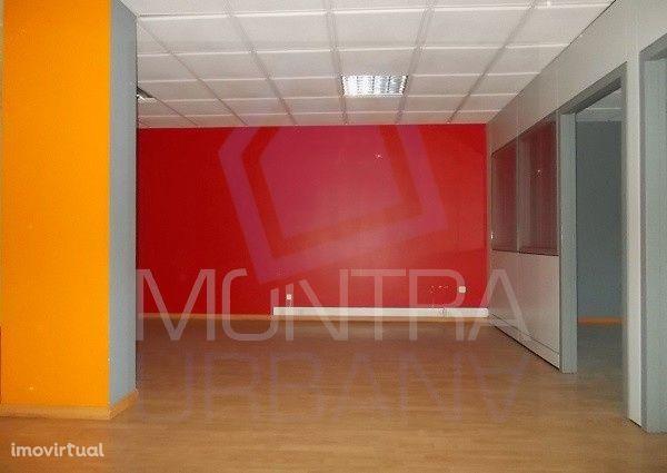 ESCRITÓRIO (62 m2) - 2º Andar, Sala 203 - TORRE BRASIL - JUNTO ao PARQ