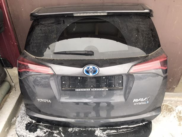 Кришка багажника ляда в зборе Toyota Rav 4 13-18 тойота рав4