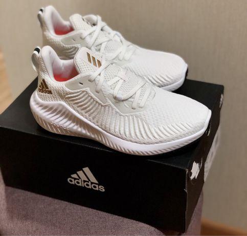 Продам кроссовки Adidas Alphabounce оригинал новые
