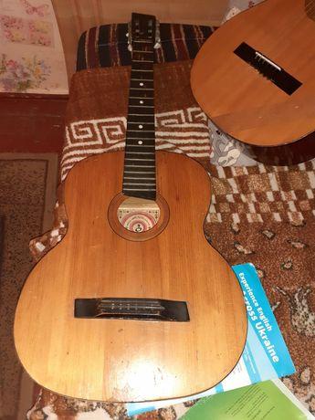 Гитара 200гр. Состояние робочее не поломаная