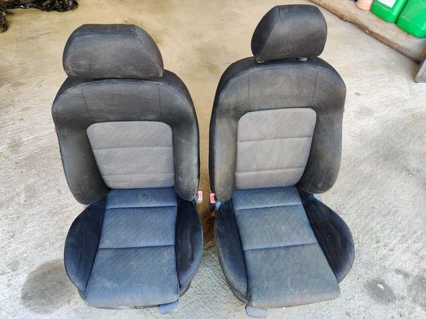 Fotele Seat Leon 1