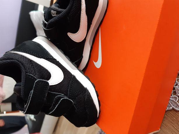 Buciki Nike rozmiar 22
