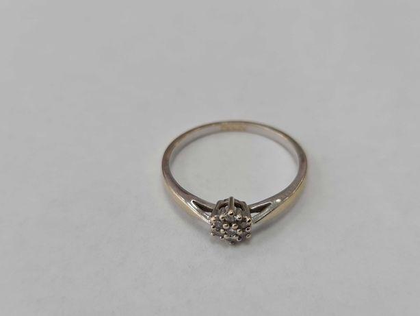 Apart! Piękny złoty pierścionek/ 585/ 1.76 gram/ R13.5/ Białe złoto