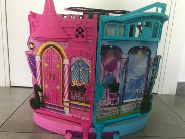 Barbie Rockowa księżniczka - scena muzyczna-palac-pokoj rockow