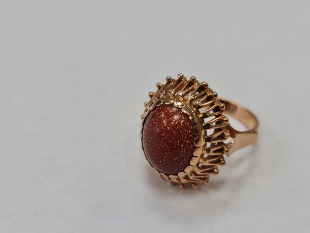 Piękny złoty pierścionek/ 585/ Piasek pustyni/ 6.39 gram/ R13/ Wiekowy