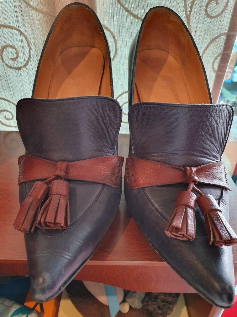 Sapatos pele