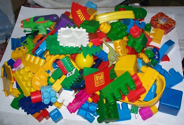 klocki zabawki góra klocków
