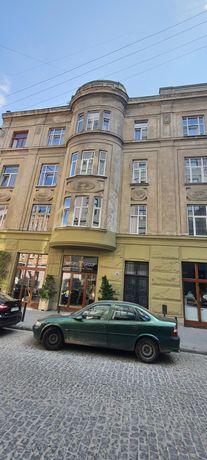 Продаж квартири 3 кімн. (Люкс Австр.) Біля Оперного Театру