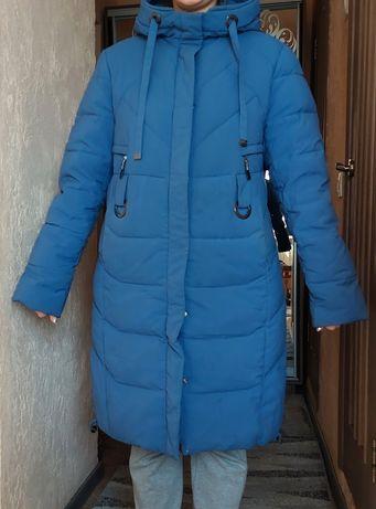 Пуховик зимовий блакитного кольору