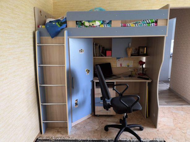 """Продам  кровать-чердак """"Лео"""" со столом и шкафом Lion"""