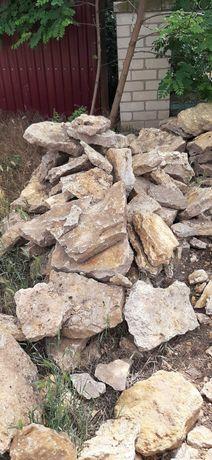 Продам камень бутовый,есть плашка от 500 гр куб ,столбики металические
