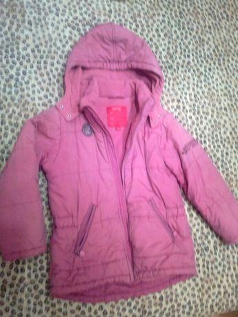Esprit. Качественная теплая куртка осень-зима с капюшоном, р.122-134