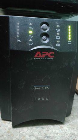 APC Smart-UPS UPS: 1000VA 220-240V SUA100001