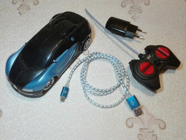 Машинка на радиоуправлении + на аккумуляторе!