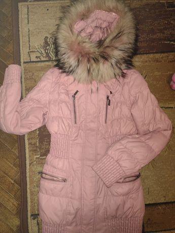 Куртка пуховик фирменный зимняя курточка р.S срочно!