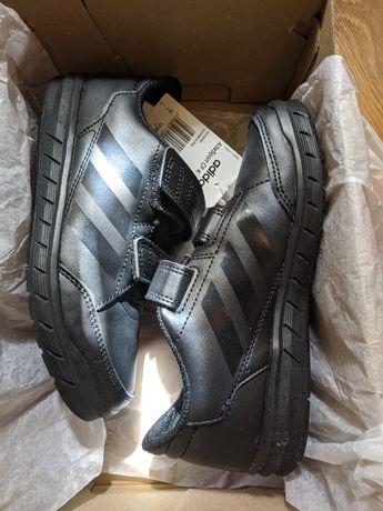 Детская обувь. Adidas.