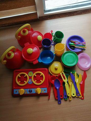 Кухонний посуд для дівчинки