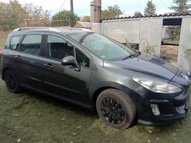 Автомобіль Peugeot sw308