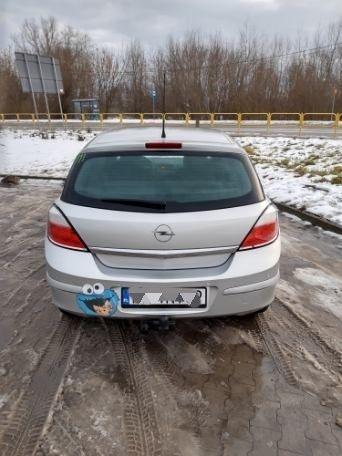 Opel Astra H 2004r