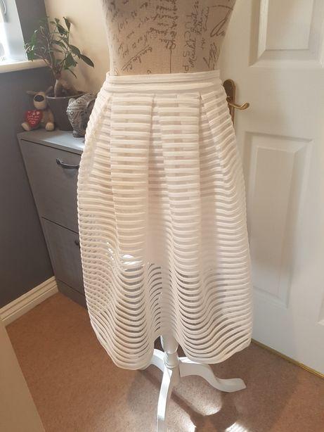 Modna spódnica firmy Doffi roz 10