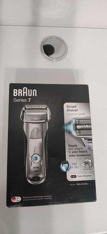 Электробритва мужская Braun Series 7 7893s