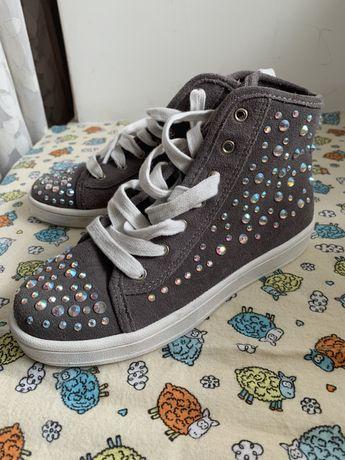 Кеди, кросівки, ботинки дівчинці