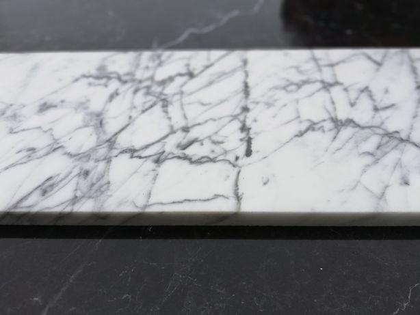 Płytki marmurowe Włoskie Bianco di Carrara Statuarietto 25x80x2