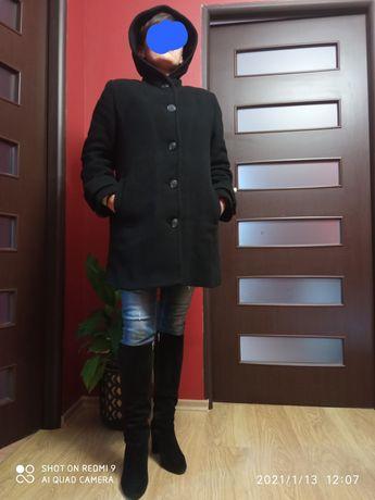 Krótki płaszcz jesienno-zimowy