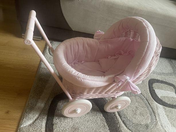 Wózek z wikliny dla lalek