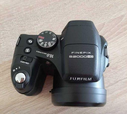 Vende-se máquina fotográfica Fujifilm Finepix S2000 HD - OPORTUNIDADE!