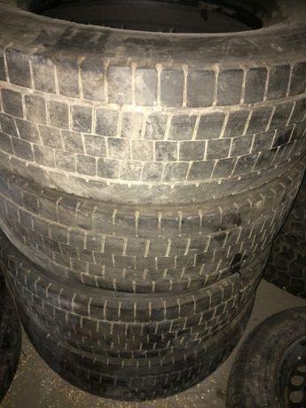 Ведущая резина Dunlop SP444 (265/70 R19,5) 4 шт.