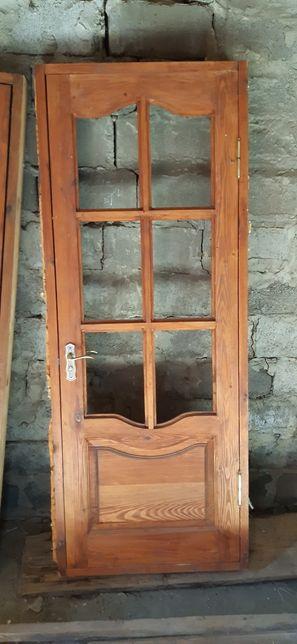 Деревянные двери,окна,ветрина