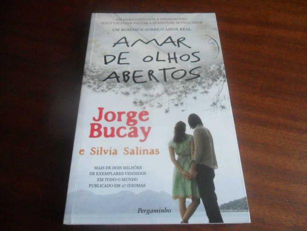 """""""Amar de Olhos Abertos"""" de Jorge Bucay e Silvia Salinas"""