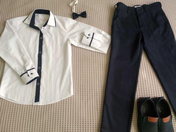 Koszula, spodnie, mucha i buty.Komplet