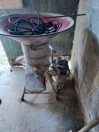 Śrutownik bąk z silnikiem 7,5kw