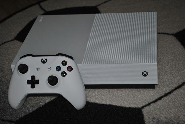 Używany Xbox One S+pad