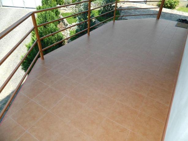 Плиточник. Укладка плитки, комплексний ремонт ванної, кухні