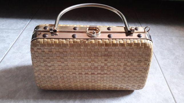 Mala Vintage clutch de palha dourada
