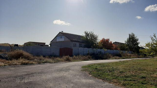 Продам дом в селе Диброва