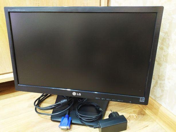Монитор LED 19 дюймов 2800р