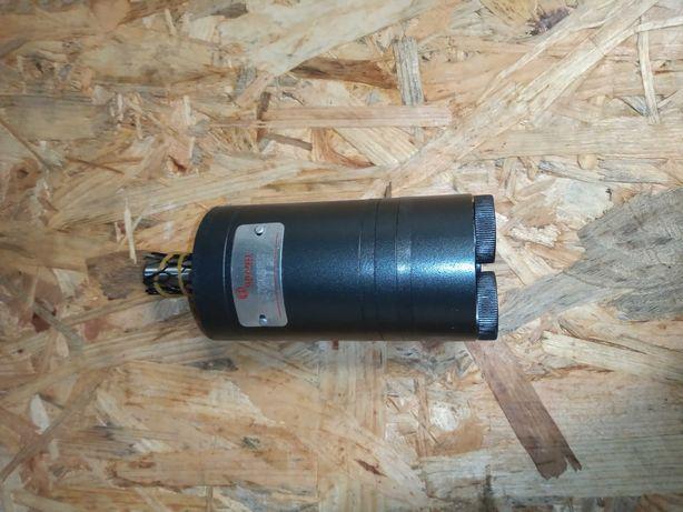 """Silnik hydrauliczny z wejściami w tylnej części gwinty 3/8"""""""