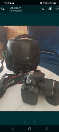 Aparat Canon EOS 1100D + pokrowiec oraz ładowarka