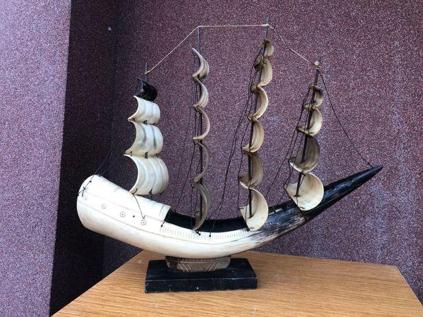 Statek wykonany z rogu