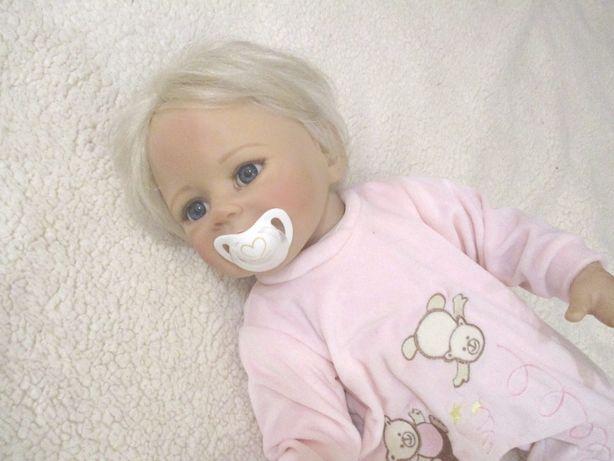 Bebe Reborn em Silicone – menina loira 50cm